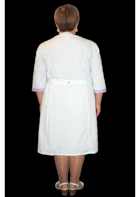Удобный медицинский халат полуприталенного силуэта