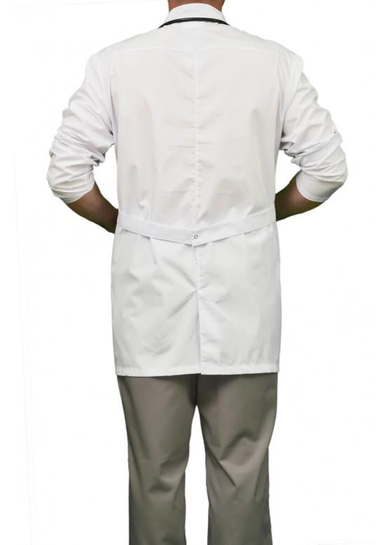 Строгий мужской медицинский халат с удобными карманами